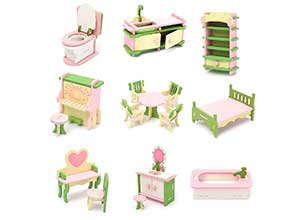 Wood Family Doll Dollhouse Furniture Set