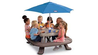 Picnic Table with Market Umbrella
